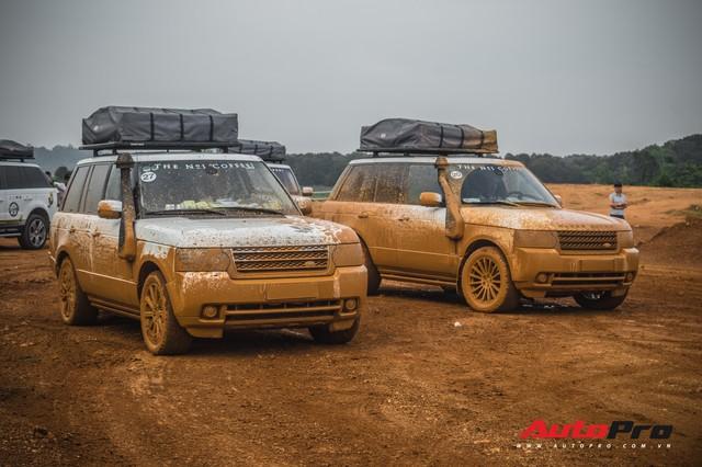 [Chùm ảnh] Đoàn Range Rover hàng chục tỷ đồng của Trung Nguyên thoả sức tắm bùn ở Đồng Mô trước khi rời Hà Nội - Ảnh 23.