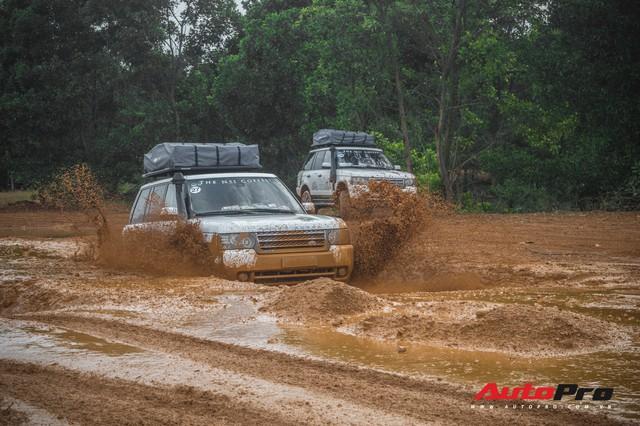 [Chùm ảnh] Đoàn Range Rover hàng chục tỷ đồng của Trung Nguyên thoả sức tắm bùn ở Đồng Mô trước khi rời Hà Nội - Ảnh 13.