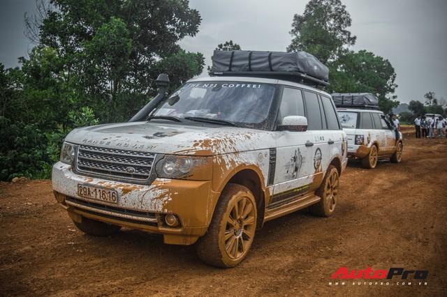 [Chùm ảnh] Đoàn Range Rover hàng chục tỷ đồng của Trung Nguyên thoả sức tắm bùn ở Đồng Mô trước khi rời Hà Nội - Ảnh 15.