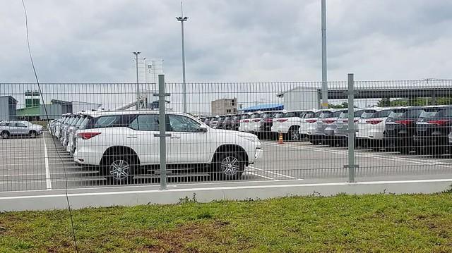 Hàng trăm chiếc Toyota Fortuner và Hiace miễn thuế nhập khẩu đã cập cảng TP. HCM