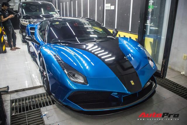 Siêu xe Ferrari 488 GTB của dân chơi Đà Lạt độ bodykit SVR trị giá hàng trăm triệu đồng - Ảnh 3.