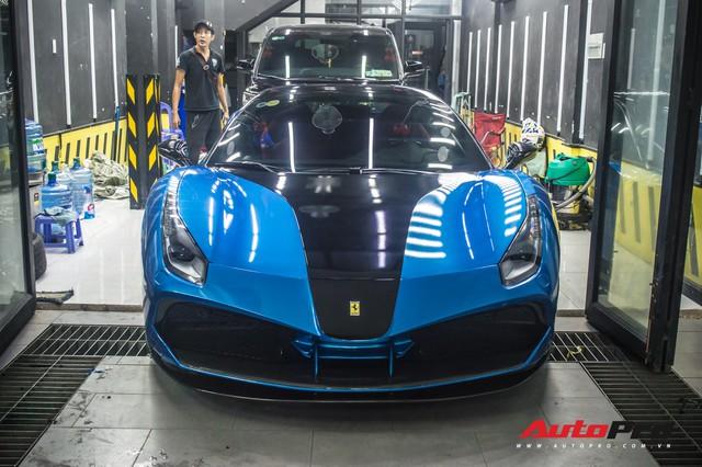 Siêu xe Ferrari 488 GTB của dân chơi Đà Lạt độ bodykit SVR trị giá hàng trăm triệu đồng - Ảnh 1.