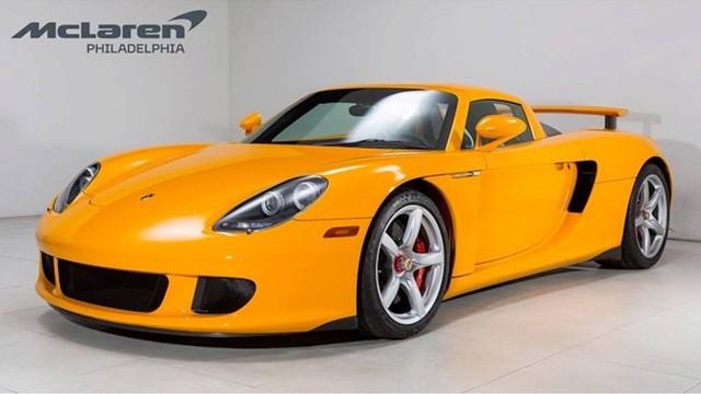 Porsche Carrera GT vàng độc nhất vô nhị đòi giá hơn 1 triệu USD - Ảnh 1.