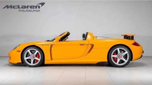 Porsche Carrera GT vàng độc nhất vô nhị đòi giá hơn 1 triệu USD - Ảnh 2.