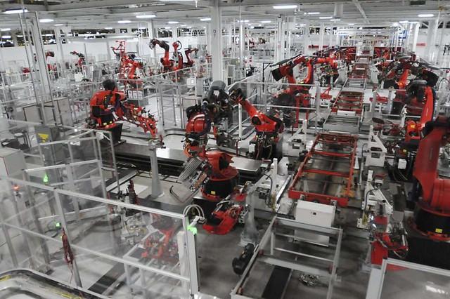 Tesla vừa xây vừa sửa Model 3 và câu chuyện thay nhân viên như thay áo - Ảnh 4.