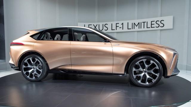 Lexus xác định không bán xe cấp thấp, nhường đất diễn cho Toyota - Ảnh 2.