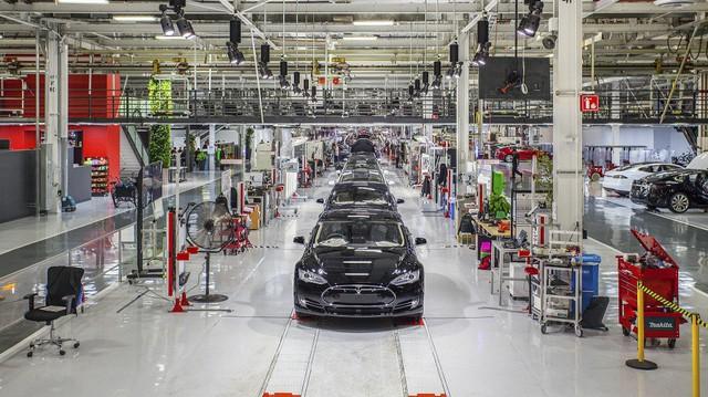 Tesla vừa xây vừa sửa Model 3 và câu chuyện thay nhân viên như thay áo