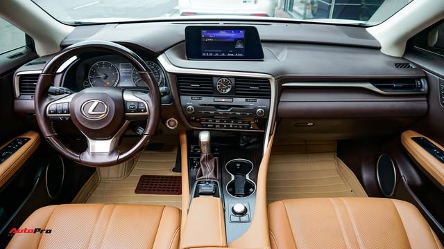 Khan hàng, Lexus RX 200t chạy lướt giữ giá như xe mới - Ảnh 7.