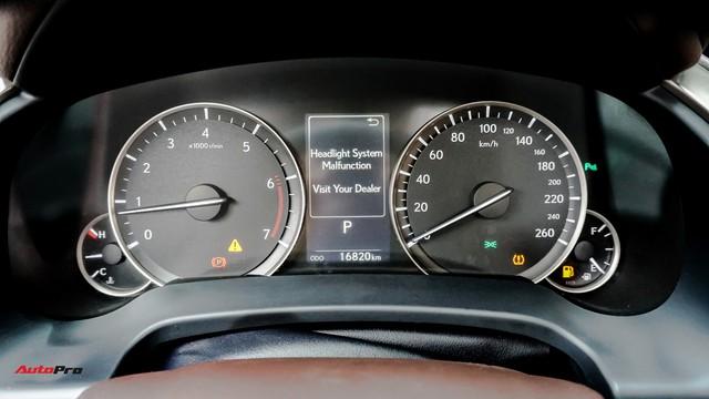 Khan hàng, Lexus RX 200t chạy lướt giữ giá như xe mới - Ảnh 11.