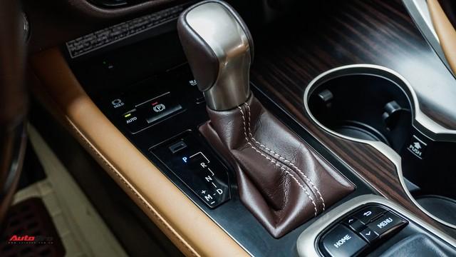 Khan hàng, Lexus RX 200t chạy lướt giữ giá như xe mới - Ảnh 14.
