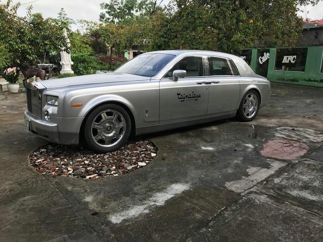 Rolls-Royce Phantom từng của đại gia Khải Silk rao bán 9 tỷ đồng trên sân gạch - Ảnh 2.