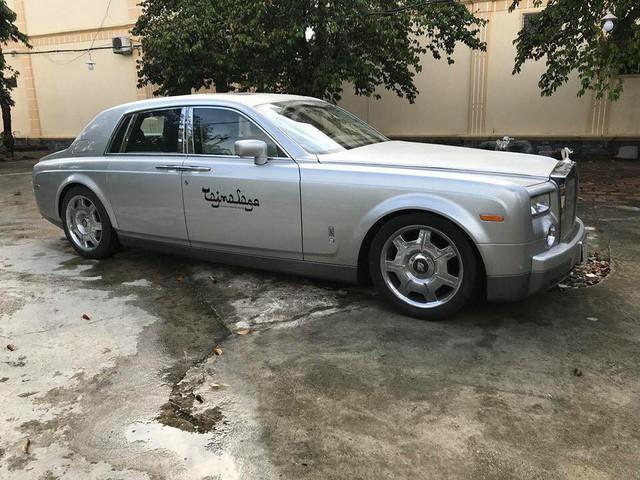Rolls-Royce Phantom từng của đại gia Khải Silk rao bán 9 tỷ đồng trên sân gạch - Ảnh 1.