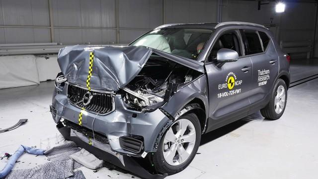 Ford Focus, Volvo XC40 đạt điểm an toàn tối đa bất chấp quy trình nghiêm ngặt mới - Ảnh 2.