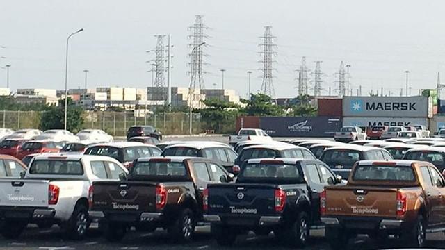 Ô tô miễn thuế đổ bộ về Việt Nam, tập kết kín cảng chờ lăn bánh   - Ảnh 11.