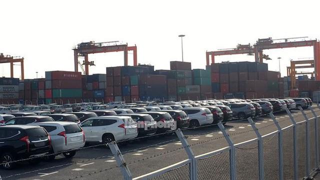 Ô tô miễn thuế đổ bộ về Việt Nam, tập kết kín cảng chờ lăn bánh   - Ảnh 8.