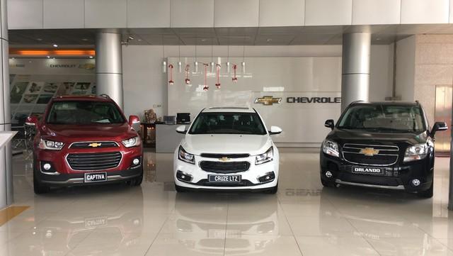 Chevrolet Captiva được giảm giá kỷ lục cả trăm triệu đồng tại đại lý - Ảnh 1.