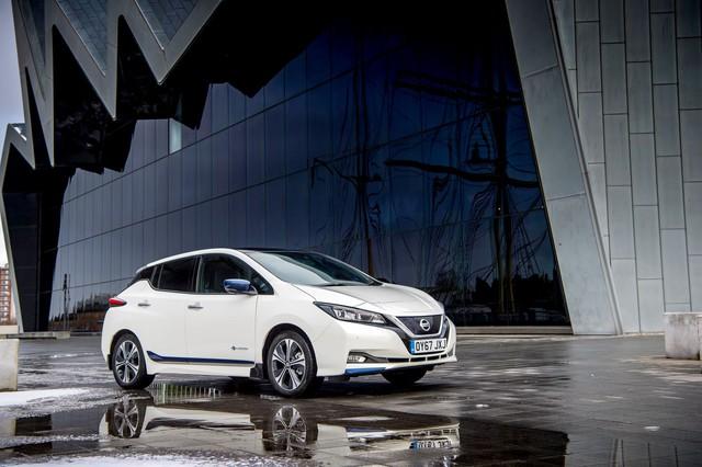 Dòng xe điện thành công nhất của Nissan đứng trong tâm bão chỉ trích vì lừa dối khách hàng - Ảnh 1.