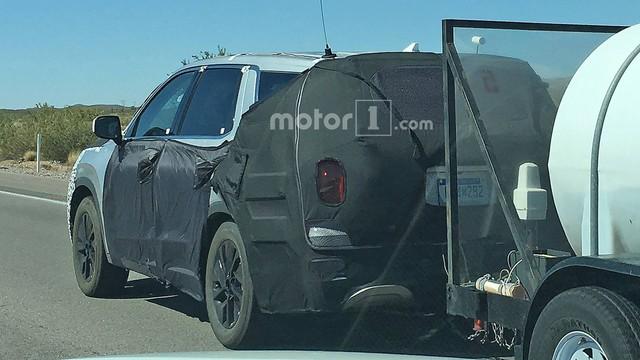 SUV 8 chỗ Hyundai Palisade lộ diện với đầu xe mới - Ảnh 3.