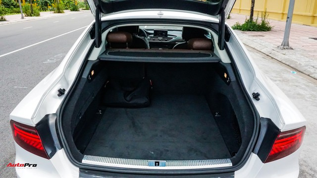 Audi A7 Sportback độ kiểu RS7 độc nhất Hà Nội rao bán dưới 1,8 tỷ đồng - Ảnh 6.