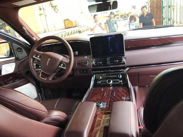 Đại gia Việt đầu tiên tậu hàng khủng Lincoln Navigator L Black Label 2018  - Ảnh 9.