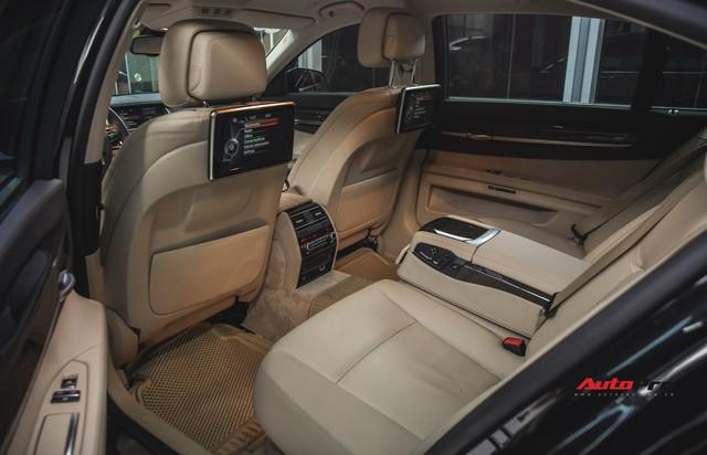 Chạy 4,5 vạn km, BMW 7-Series 2 năm tuổi rao giá dưới 2 tỷ đồng - Ảnh 15.