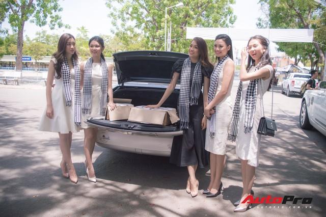 Bộ ba hoa hậu, á hậu cùng các người đẹp Việt Nam xuất hiện bên Bugatti Veyron của Trung Nguyên - Ảnh 1.