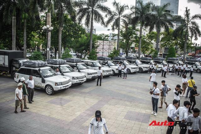 Bộ ba hoa hậu, á hậu cùng các người đẹp Việt Nam xuất hiện bên Bugatti Veyron của Trung Nguyên - Ảnh 12.
