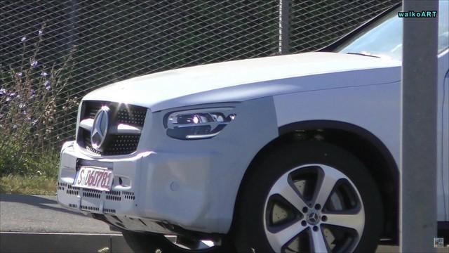 Mercedes-Benz GLC Coupe 2019 tiếp tục lộ diện không cần ngụy trang, đã tiến rất sát ngày ra mắt - Ảnh 2.
