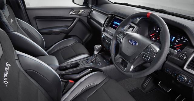 Ngang sức mạnh nhưng Ford Ranger Raptor vẫn có nhiều điểm vượt trội hơn bản Wildtrak 2018 cho khách Việt - Ảnh 5.