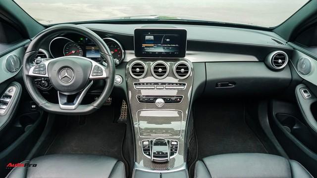 Mercedes-Benz C300 AMG có giá bao nhiêu sau hơn 2 vạn km? - Ảnh 9.