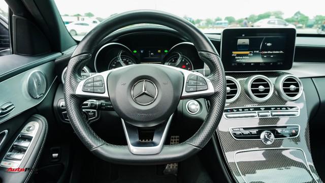 Mercedes-Benz C300 AMG có giá bao nhiêu sau hơn 2 vạn km? - Ảnh 11.