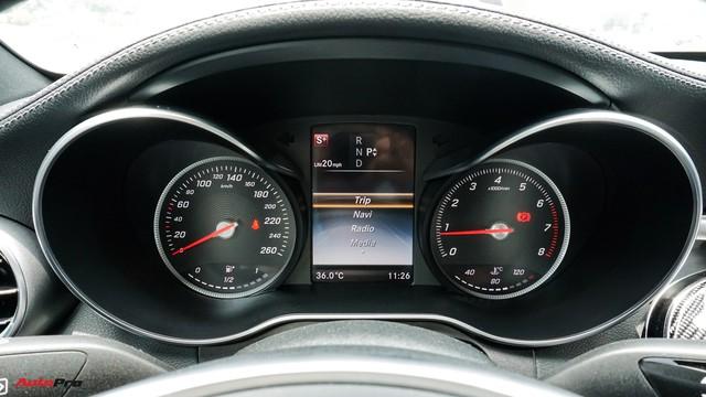 Mercedes-Benz C300 AMG có giá bao nhiêu sau hơn 2 vạn km? - Ảnh 12.