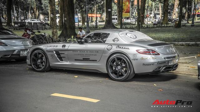 Sau hành trình xuyên Việt, bộ 3 siêu xe Mercedes-Benz SLS AMG đặc biệt của ông chủ cà phê Trung Nguyên lại tham gia minishow tại Sài Gòn - Ảnh 3.