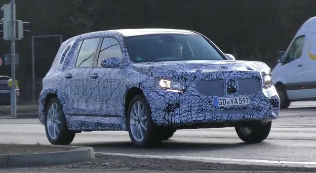 Mercedes-Benz GLB, S-Class mới lộ thêm clip thử nghiệm - Ảnh 3.