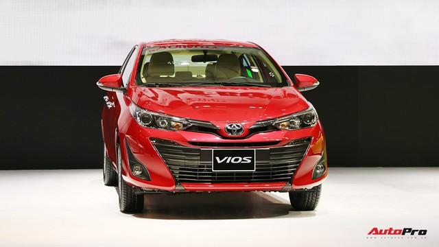 """Thêm 41 triệu đồng, Toyota Vios thoát mác """"thùng tôn di động"""" nhờ hàng loạt trang bị mới"""