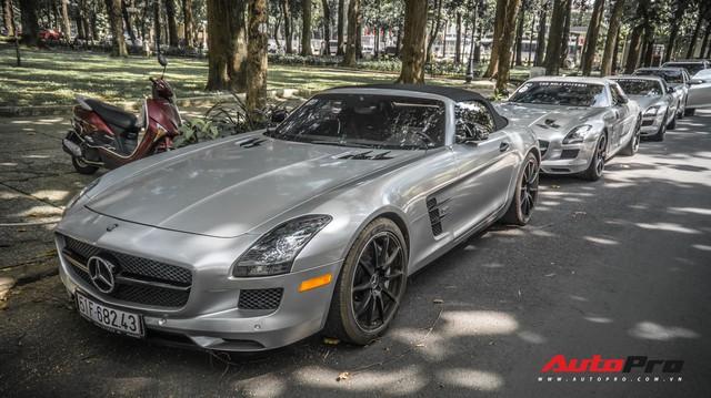 Sau hành trình xuyên Việt, bộ 3 siêu xe Mercedes-Benz SLS AMG đặc biệt của ông chủ cà phê Trung Nguyên lại tham gia minishow tại Sài Gòn
