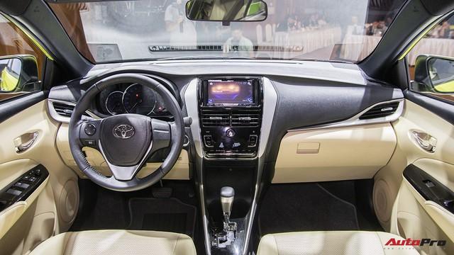 Toyota Yaris 2018 chốt giá 650 triệu đồng - Chướng ngại của Honda Jazz - Ảnh 3.