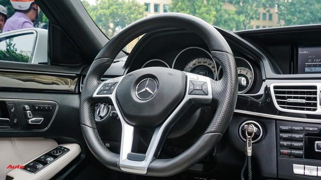 Mercedes-Benz E-Class có giá bao nhiêu sau 4 năm tuổi và gần 5 vạn km? - Ảnh 7.