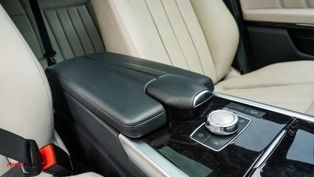 Mercedes-Benz E-Class có giá bao nhiêu sau 4 năm tuổi và gần 5 vạn km? - Ảnh 11.