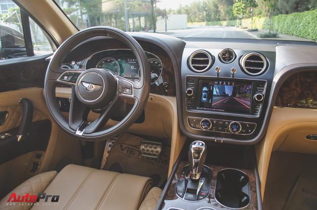 Đại gia Hải Phòng mạnh tay sắm Bentley Bentayga chính hãng màu độc nhất Việt Nam - Ảnh 2.
