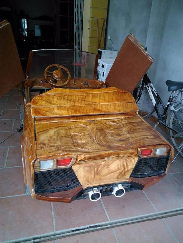 Xe gỗ thiết kế như Lamborghini lăn bánh tại Việt Nam - Ảnh 1.
