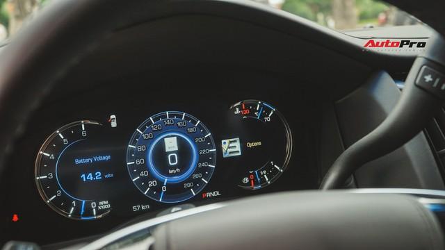 Cận cảnh chiếc SUV hạng sang Cadillac Escalade 2018 đầu tiên tại Việt Nam - Ảnh 7.