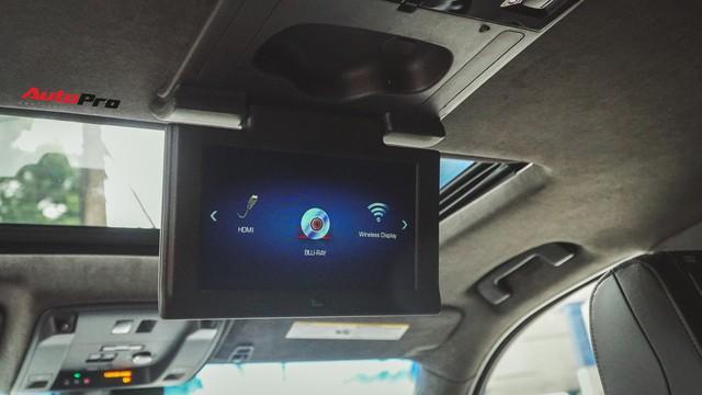 Cận cảnh chiếc SUV hạng sang Cadillac Escalade 2018 đầu tiên tại Việt Nam - Ảnh 14.