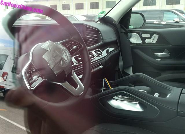 Mercedes-Benz GLE thế hệ mới lộ diện trần trụi từ trong ra ngoài - Ảnh 2.