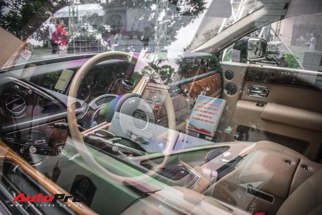 Rolls-Royce Phantom EWB bí ẩn của ông chủ cà phê Trung Nguyên xuất hiện tại Sài Gòn - Ảnh 10.