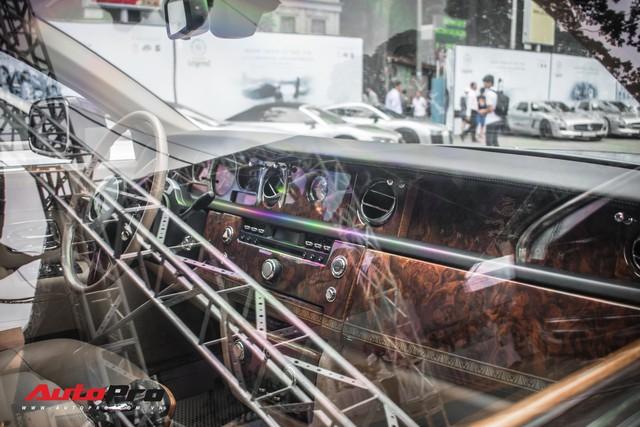 Rolls-Royce Phantom EWB bí ẩn của ông chủ cà phê Trung Nguyên xuất hiện tại Sài Gòn - Ảnh 11.