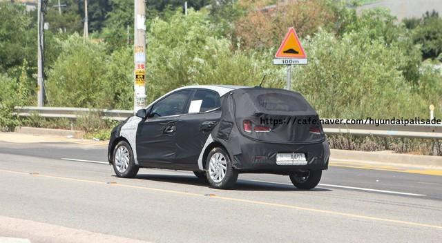 Lộ ảnh thử nghiệm đầu tiên của Hyundai Grand i10 thế hệ mới - Ảnh 1.