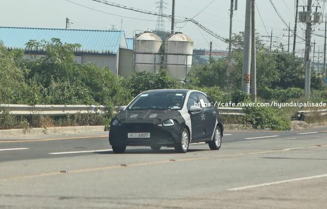 Lộ ảnh thử nghiệm đầu tiên của Hyundai Grand i10 thế hệ mới - Ảnh 2.
