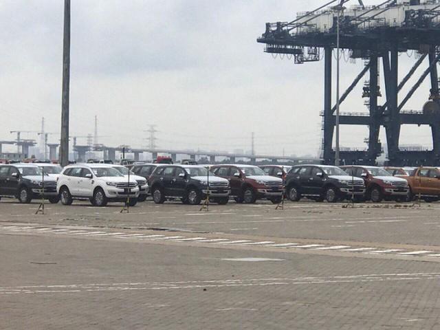 Cả ngàn chiếc Ford Ranger và Everest bản nâng cấp mới cập cảng Việt Nam - Ảnh 4.