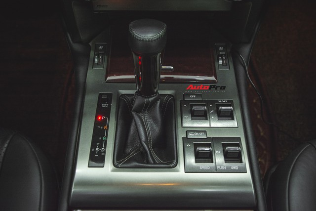 Lexus GX460 màu lạ sau 25.000 km có giá bao nhiêu ? - Ảnh 10.